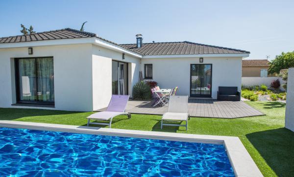 Villas prisme constructeur de maison individuelle sur for Villa prisme salon de provence