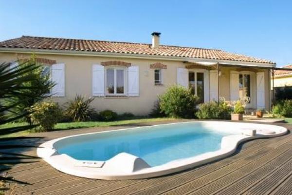 Maison familiale constructeur de maison individuelle sur for Constructeur piscine 31